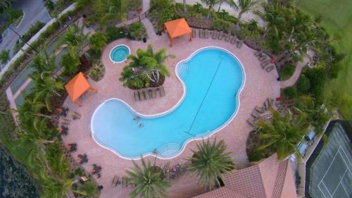 ESPLANADE BY SIESTA - BEACH ENTRY AND LAP POOL COMBINATION