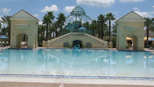 Hilton Ruby Lake - Hotel amenity pool.