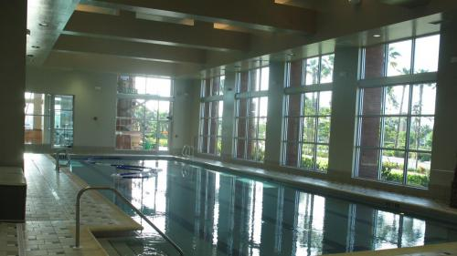LA FITNESS (FT. MYERS) - INDOOR POOL